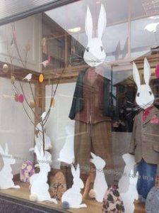 vetrine di pasqua coniglietti 2