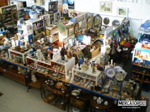 Vista dall'alto di uno stand di Mercatopoli (foto: mercatopoli.it)