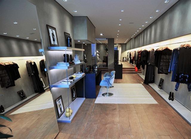 Negozio di abbigliamento i 5 colori da evitare for Colori di moda per arredamento