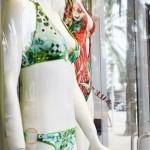 Allestire le vetrine per l'abbigliamento mare con i nostri consigli