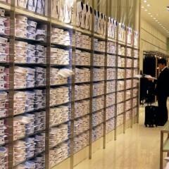 Come esporre la merce in un negozio di abbigliamento: consigli utili