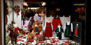 Come allestire le vetrine natalizie: 5 consigli per ottenere una magica atmosfera