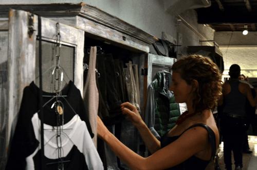 shopping experience - stimolazione tattile