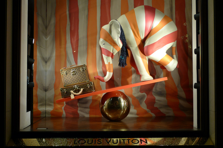Vetrine originali - Louis Vuitton [fonte: retaildesignblog.net]