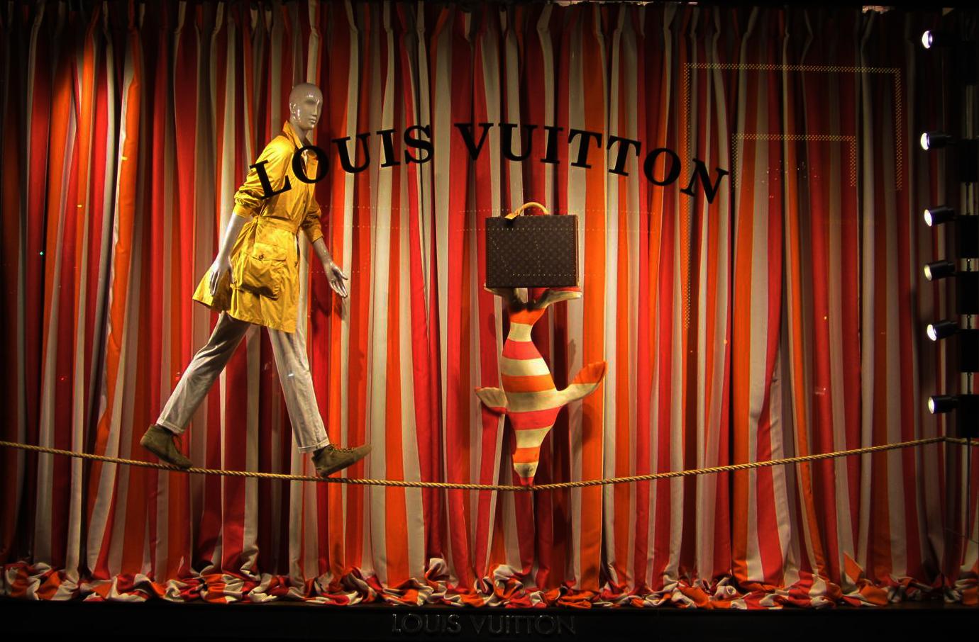 Vetrine originali - Louis Vuitton [fonte: circusgirlmagazine.com]