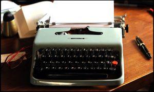 scrivere una scheda prodotto - macchina da scrivere