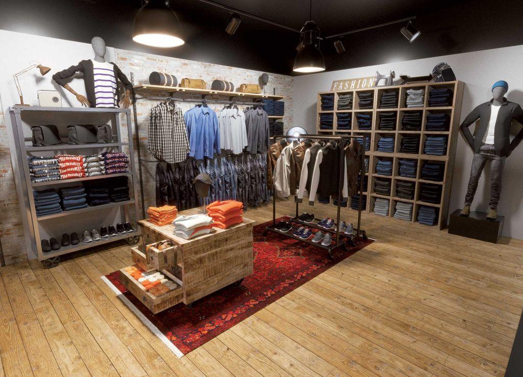 Arredamento negozio abbigliamento consigli utili per un for Prisma arredo negozi